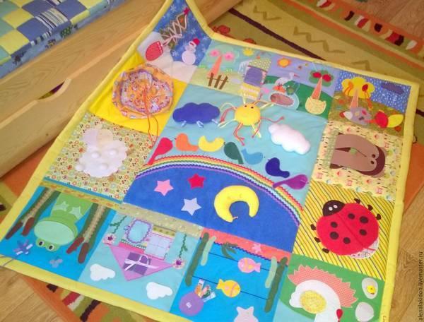 Как сделать самому развивающий коврик для малыша. делаем развивающие коврики своими руками