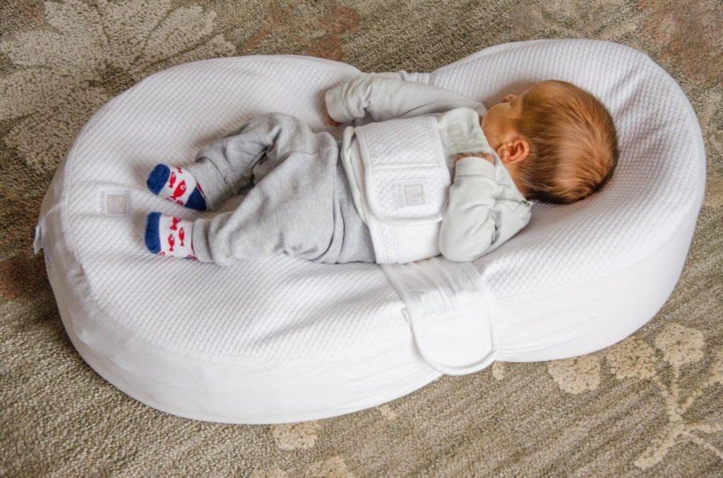 Купить коконы-гнездышко на выписку для новорожденных в детскую кроватку в интернет-магазине - maranis