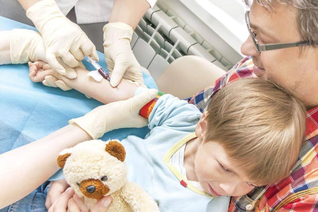 Как проводят забор крови из вены