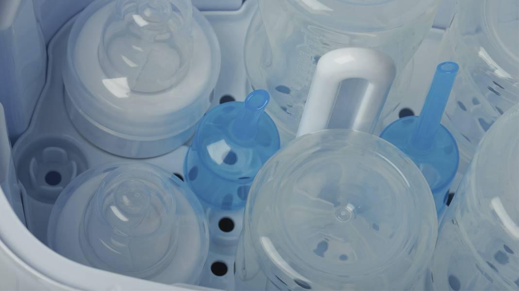Как правильно стерилизовать бутылочки для кормления: правила и советы
