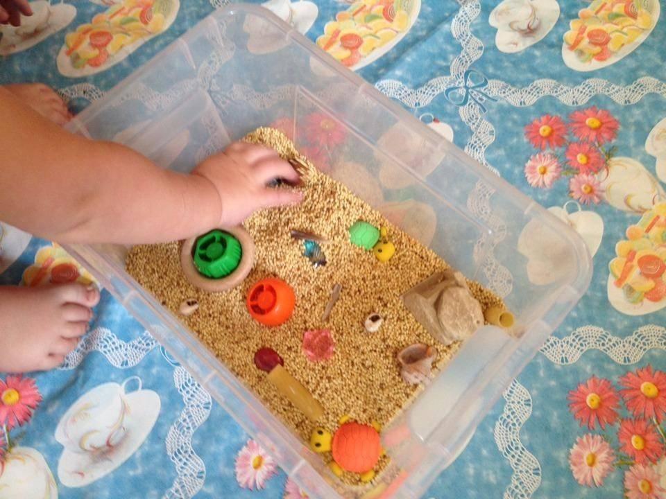 Развитие ребенка в 7 месяцев (мальчик): рост и вес, навыки и умения