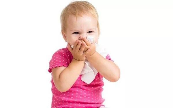 Старший ребенок заболел орви: как защитить младшего?