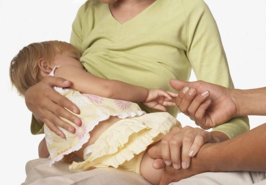 Отучение от груди: насильный отрыв или постепенное отвыкание?