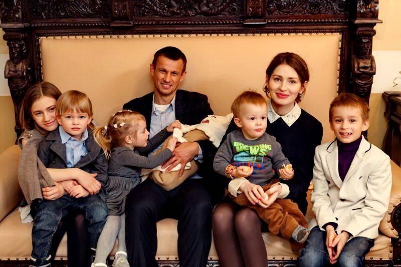 Топ 10 многодетных актеров россии :: инфониак