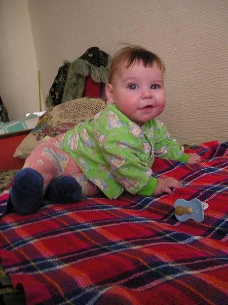 Пытается сесть... как быть??? - болталка для мамочек малышей до двух лет - страна мам