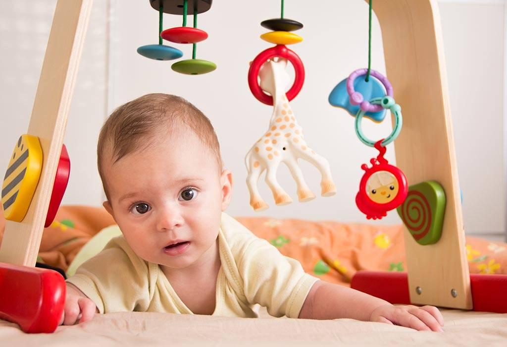 Что должен уметь ребенок в 1 год и 3 месяца: нормы развития для 15 месяцев