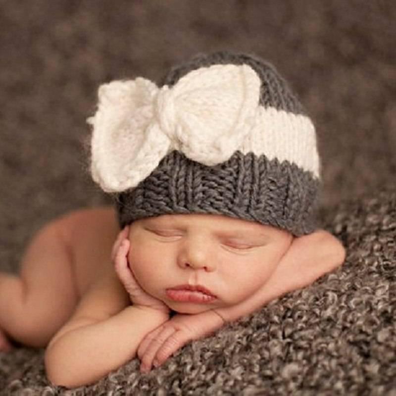 Как связать теплую шапочку с ушками спицами для новорожденного мальчика и девочки — видео уроки с узорами, инструкции для начинающих