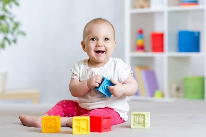 Как играть с ребенком трех - шести месяцев?     материнство - беременность, роды, питание, воспитание