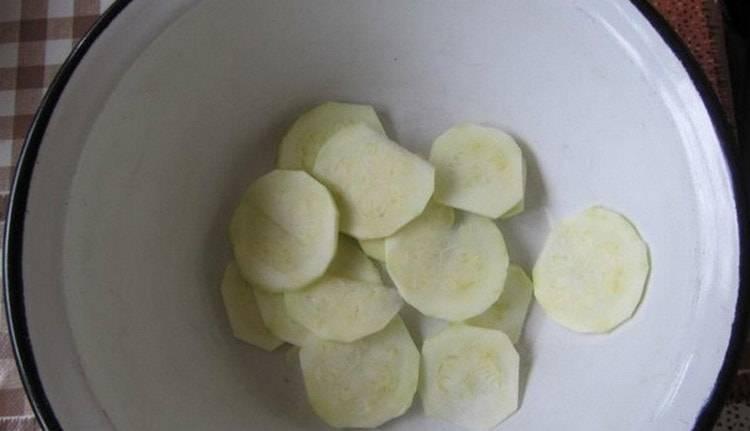 Как приготовить пюре из кабачка для грудничка 6 месяцев и старше