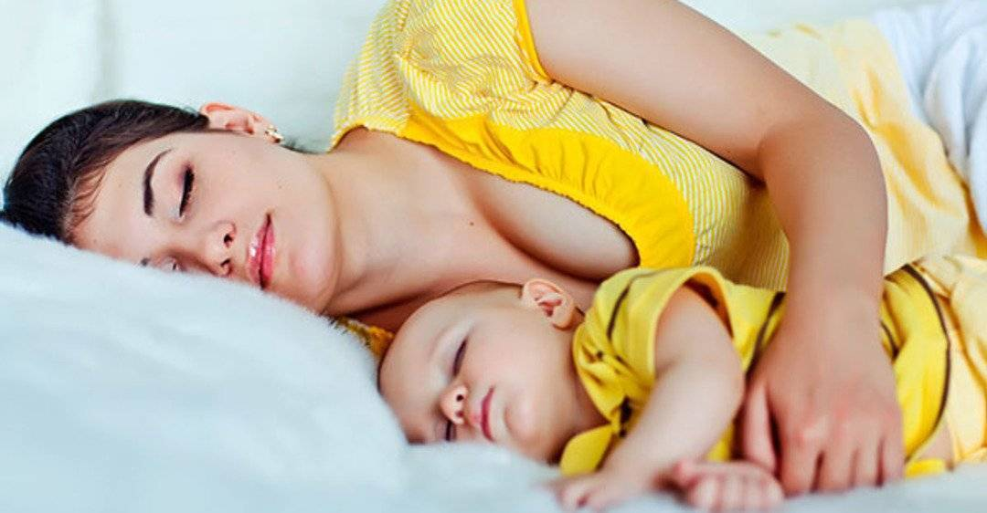 Как быстро уложить спать грудничка без грудного кормления или днем