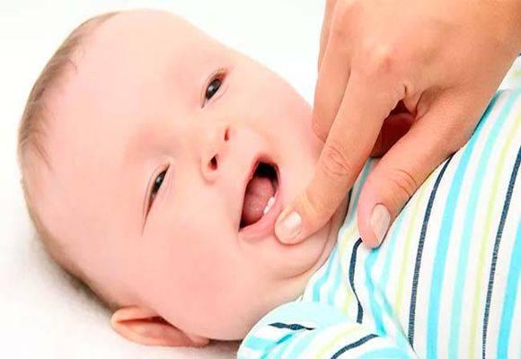 Прорезывание зубов у детей – симптомы