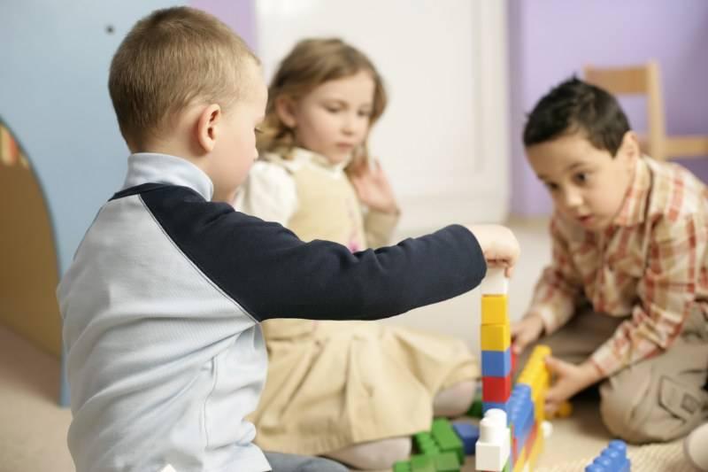 Детский сад или развивающие занятия: что выбрать для ребенка 3 лет. отдать ребенка в детский сад или на развивалки