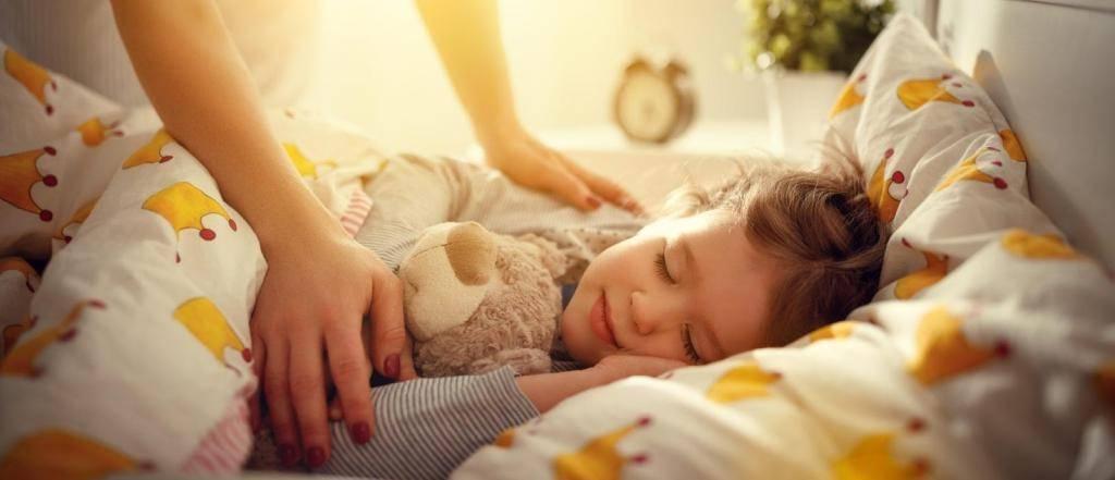 Приучаем ребенка засыпать самостоятельно