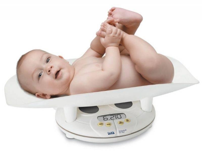 Сколько в месяц прибавляет новорожденный в весе и детские весы для взвешиваний