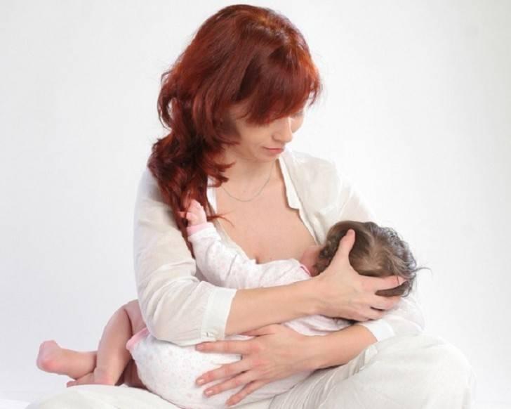 Позы для кормления новорожденного, грудного ребенка: фото удобного вскармливания