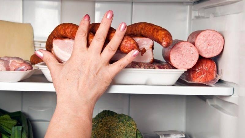 Колбаса, сосиски и сардельки — вредны при при грудном вскармливании, но есть ли исключения?