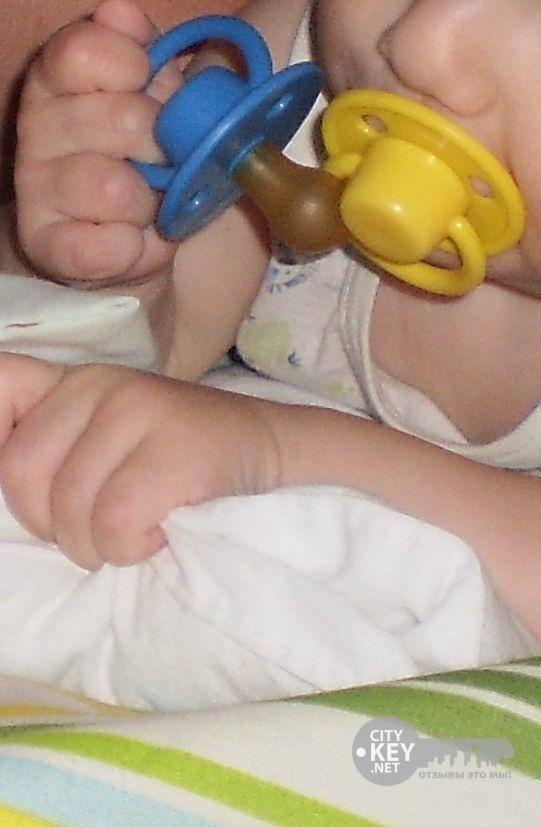 Выбираем пустышку для новорожденного: советы экспертов