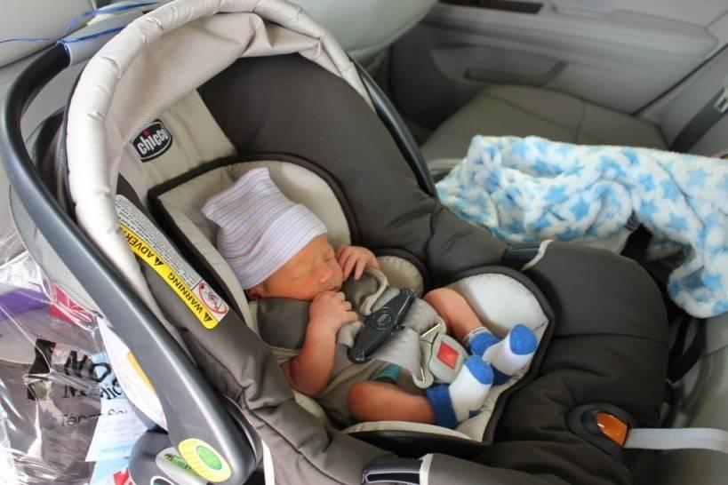 Автокресло для новорожденных: особенности выбора и эксплуатации