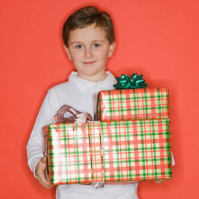 Что подарить ребенку на 7 лет: лучшие идеи подарков