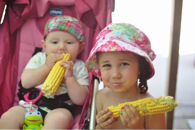 С какого возраста можно давать ребенку вареную кукурузу, чем она полезна? - мытищинская городская детская поликлиника №4