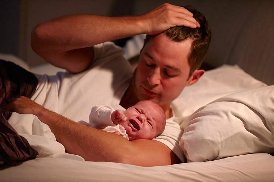 К чему снится держать ребенка на руках