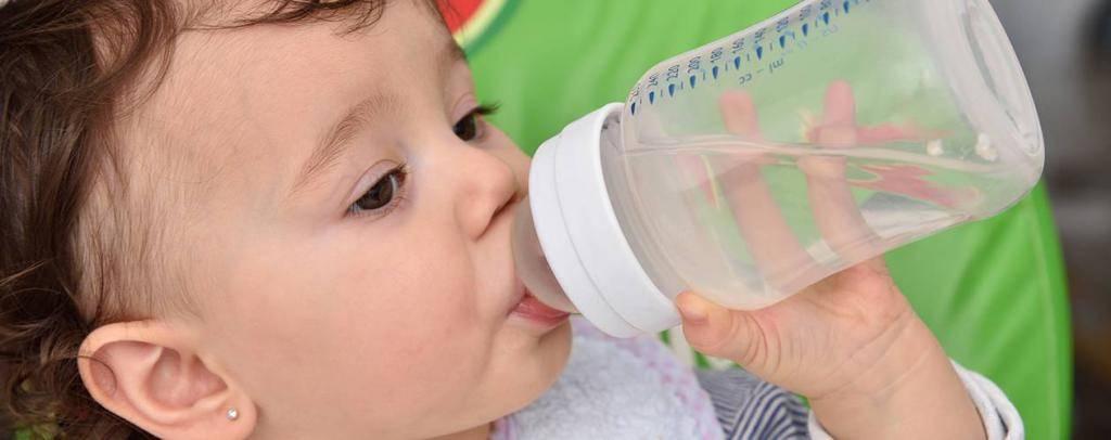 Потребность ребенка в воде. мифы и правда. давайте разбираться!