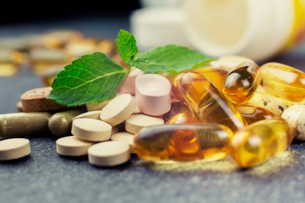Как повысить фертильность у женщин с помощью витаминов, медицинских препаратов, народных средств?