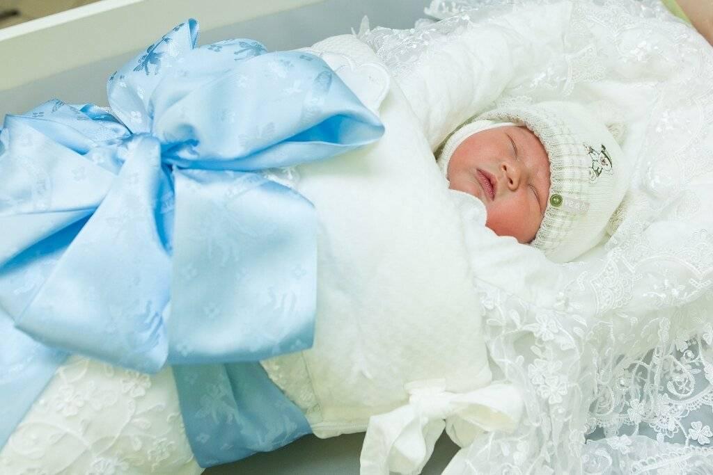 Как одевать новорожденного на улицу – выбираем гардероб малыша по погоде - moy-kroha.info
