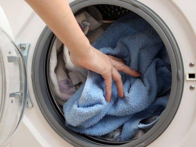 Как стирать вещи новорожденного вручную и в стиральной машине