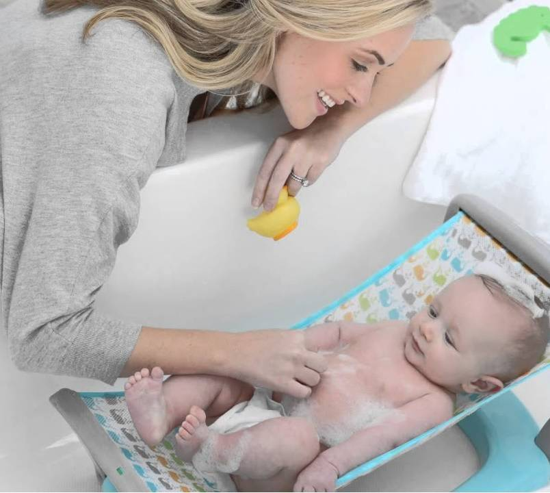 Как правильно купать новорожденного