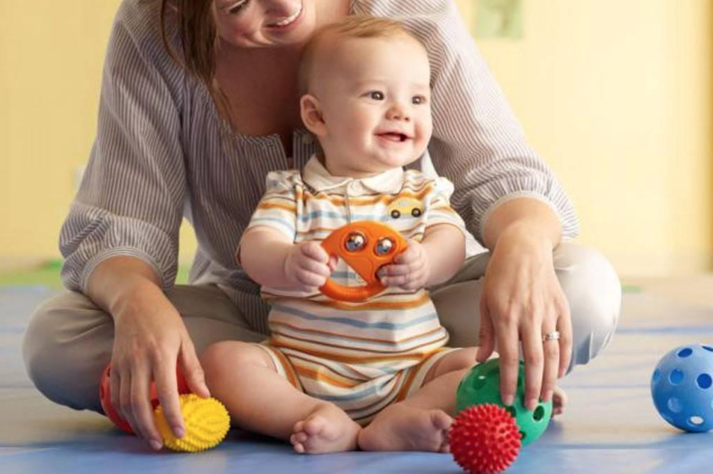 Развитие ребенка в 2 месяца: навыки