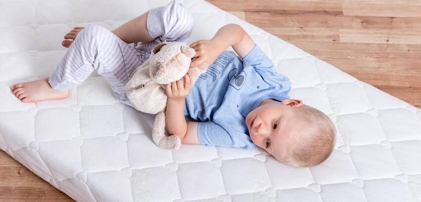 Как выбрать матрас для новорожденного