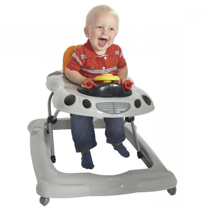 С какого возраста можно использовать ходунки,со скольки месяцев сажать ребенка в ходунки
