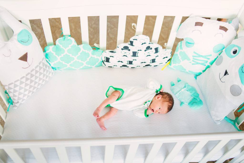 Как научить ребенка засыпать без укачиваний