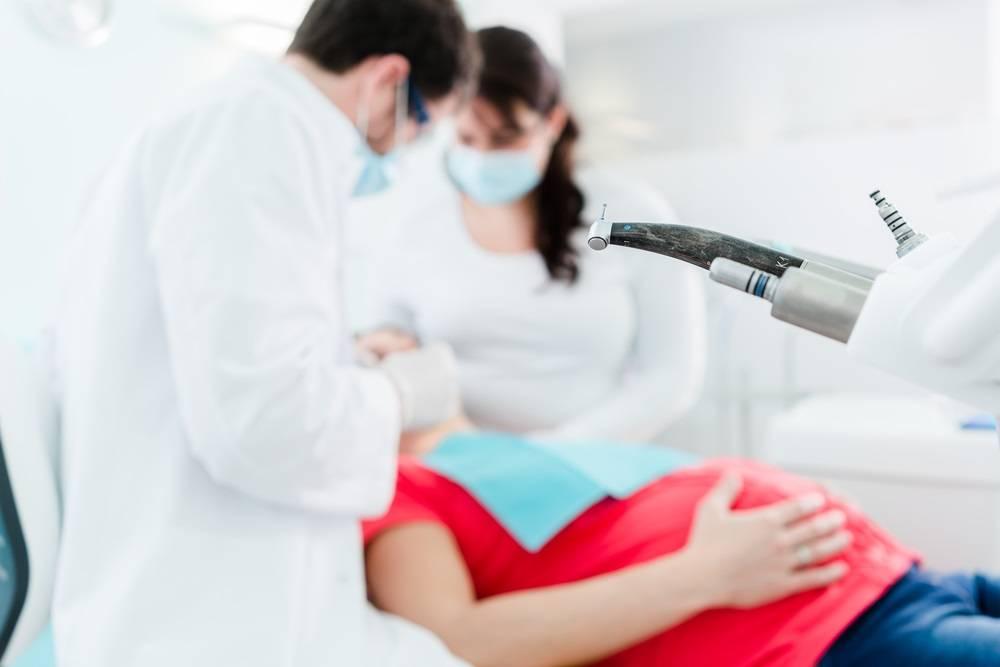 5 важных правил посещения стоматолога во время беременности | центр стоматологии «виртуоз»