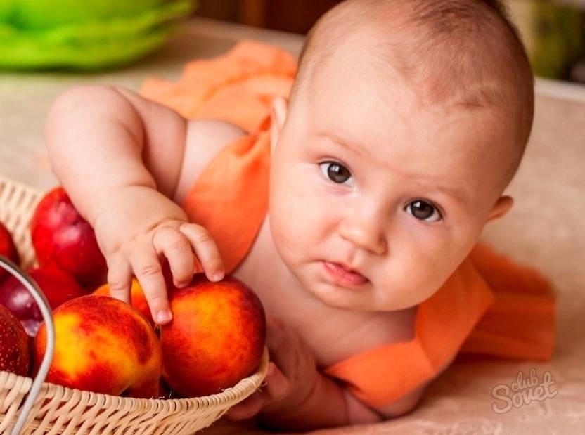 Нектарин детям: чем полезен и когда давать?