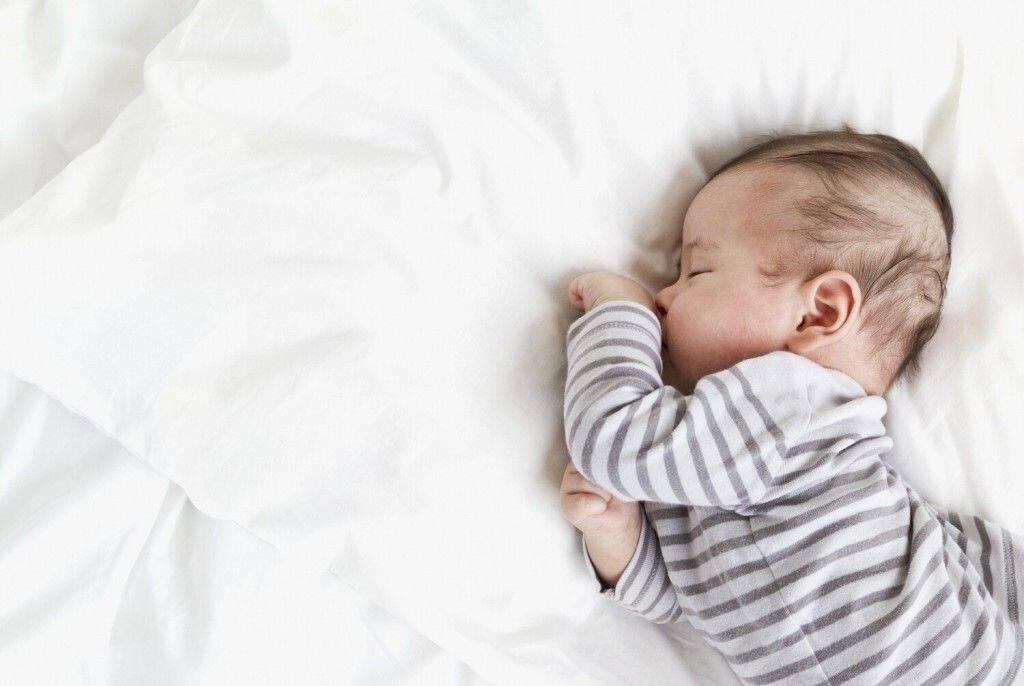 Сон младенцев под «белый шум»