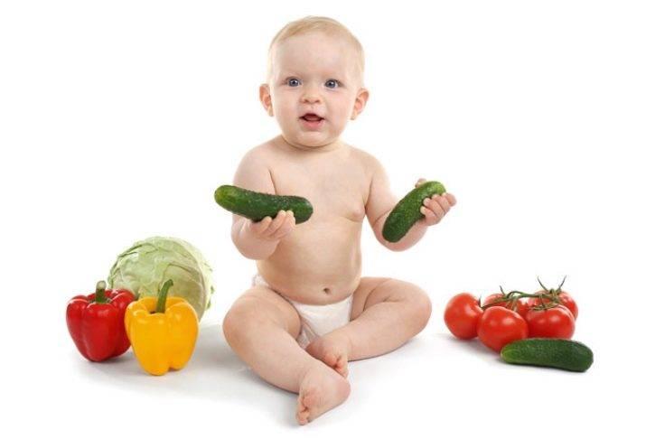 Когда ребенку можно давать свежий огурец — с какого возраста, чем полезен и бывает ли аллергия?