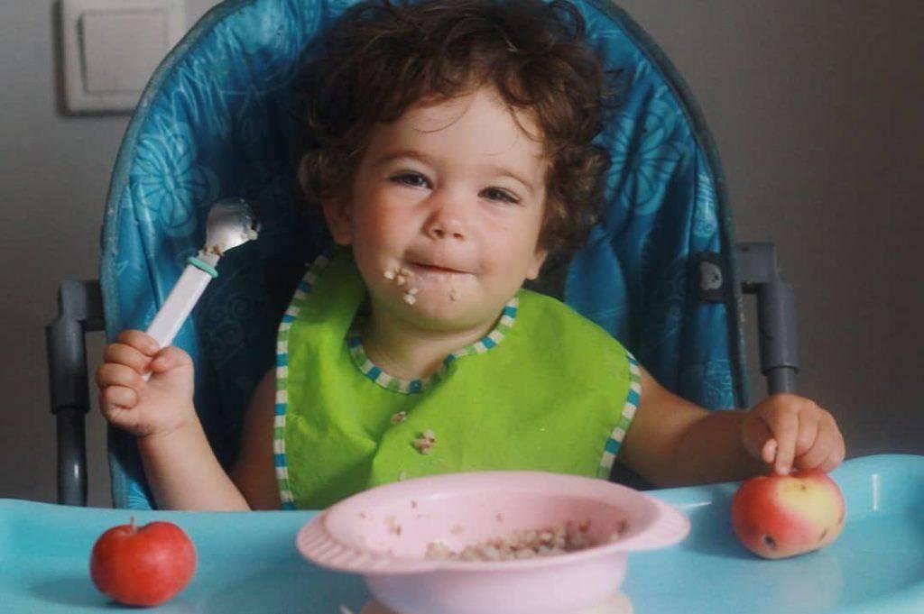 Как кормить с ложки?