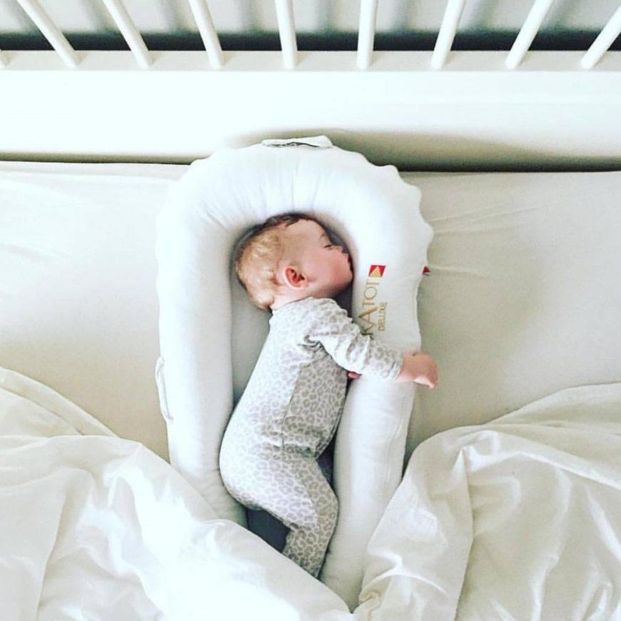 Приучаем ребенка спать в своей кроватке