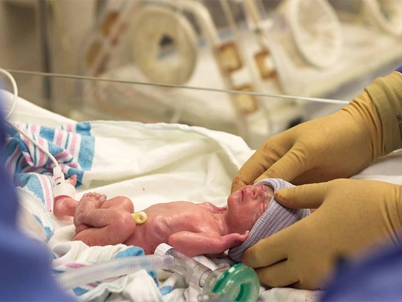 Преждевременное рождение ребенка: сроки, причины, риски