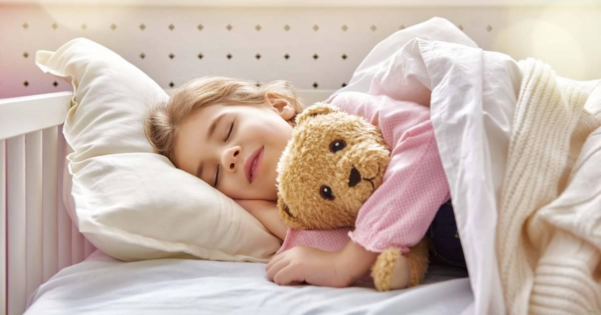 Как без слез приучить ребенка спать в своей кроватке в любом возрасте?