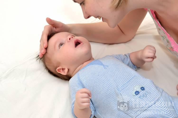 Как успокоить плачущего младенца
