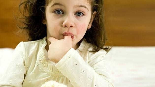 Как отучить ребенка сосания пальцев советы комаровского