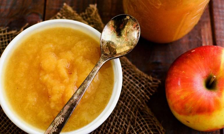 Детское яблочное пюре: как приготовить пюре для грудничка из свежих яблок своими руками, рецепт для прикорма в домашних условиях, со скольки месяцев можно давать блюдо ребенку