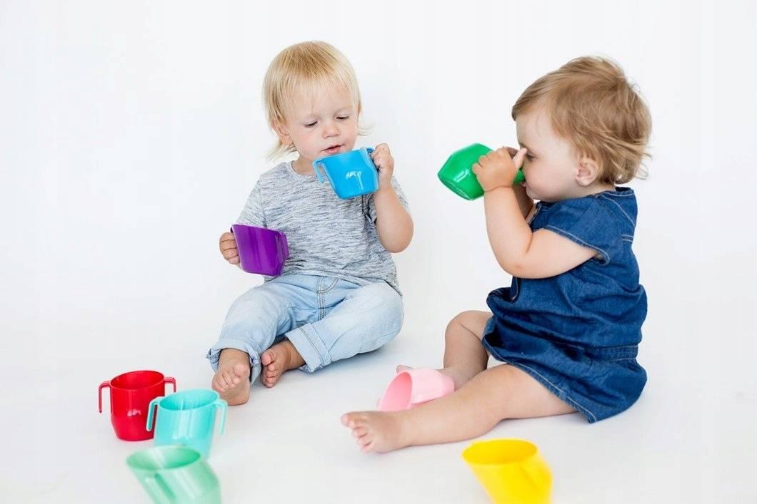 Как научить ребенка пить из трубочки: советы родителям