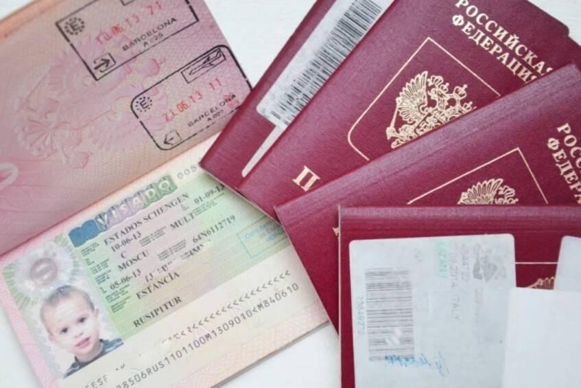 За границу — с ребенком: юридические аспекты