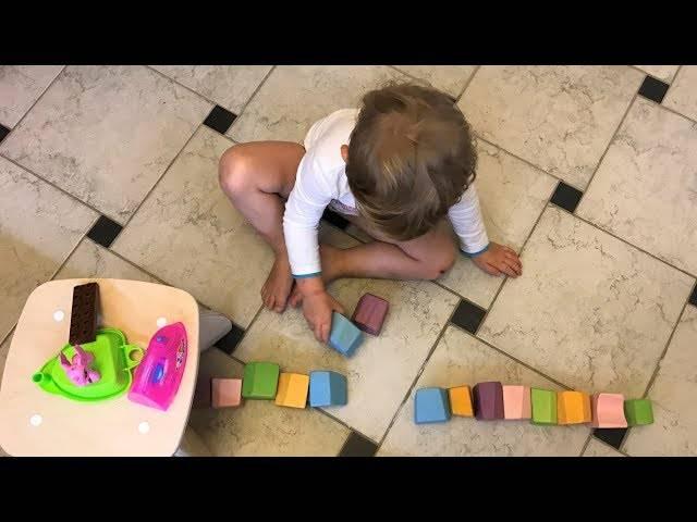 Обучение через веселье: примеры развивающих игр для детей 10 месяцев