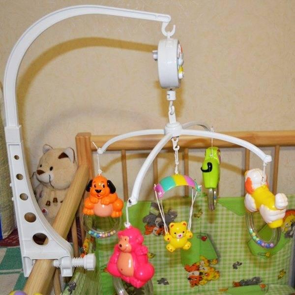 Механический детский мобиль на кроватку для новорожденных