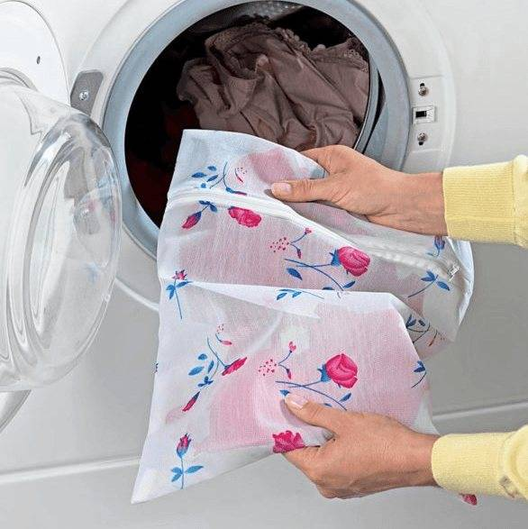 Чем и как стирать вещи новорожденных?